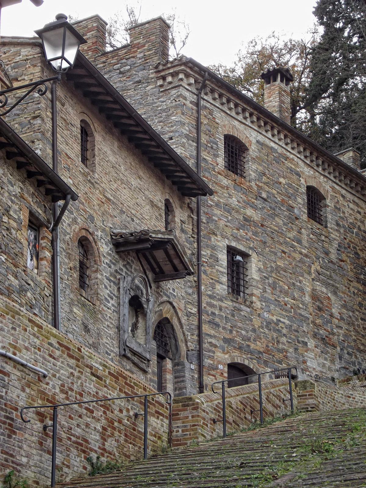 castello pallotta caldarola