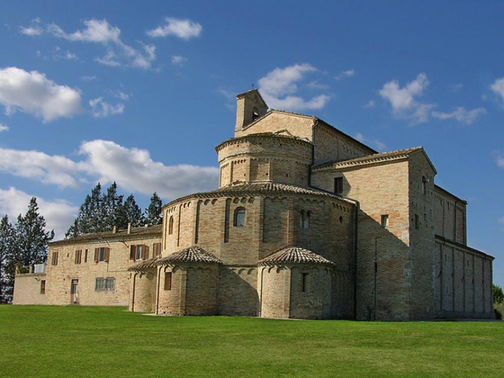 abbazia santa maria a pie' di chienti