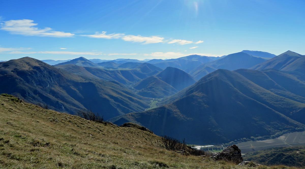 panorama dai prati di monte gemmo