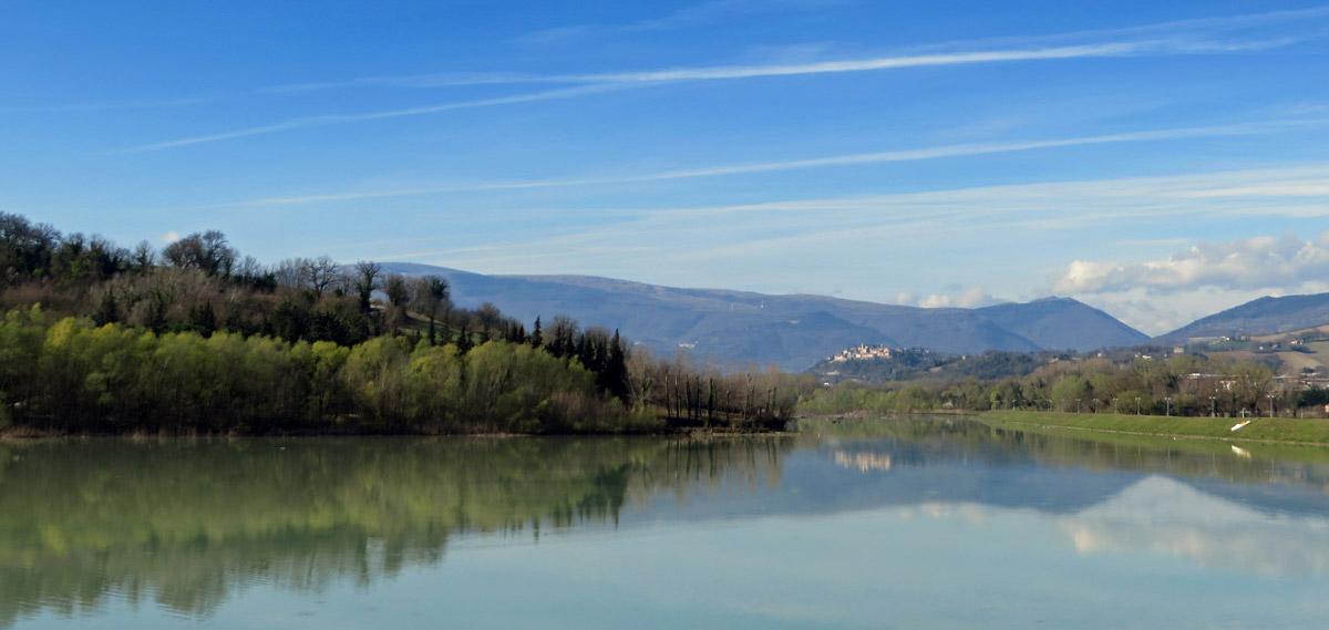lago delle grazie - tolentino